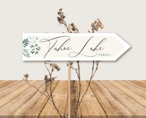 Panneau nom de tables mariage blanc et végétal chic