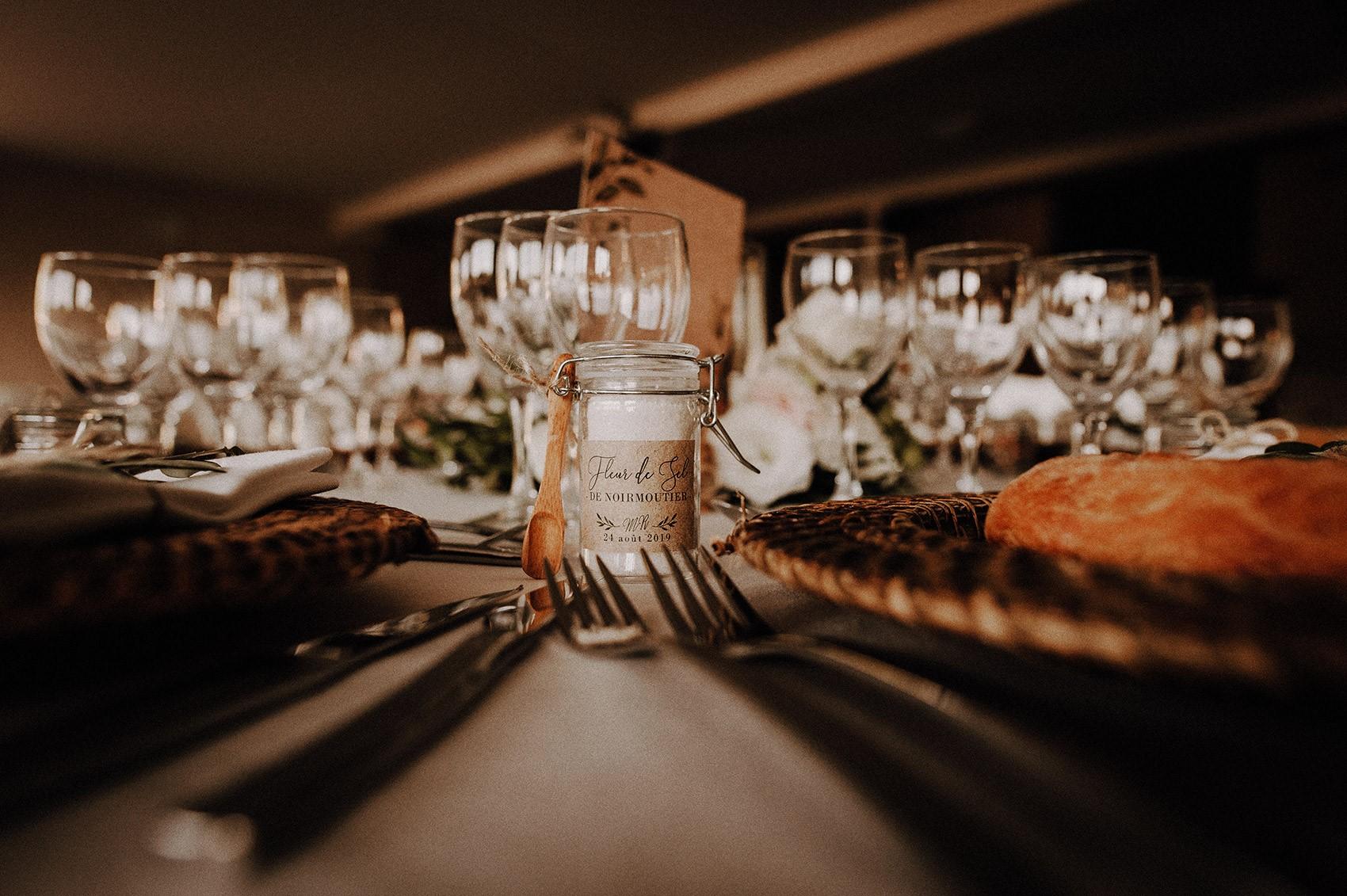 etiquette cadeau invité mariage original