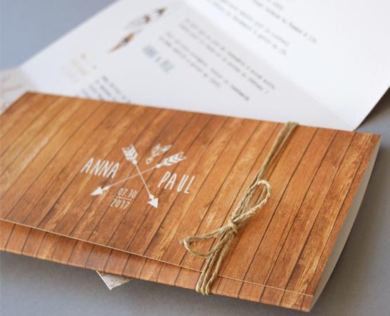 Faire-part de mariage Bois bohème | fond bois et flèches bohèmes plumes | Pastilles et Petits pois