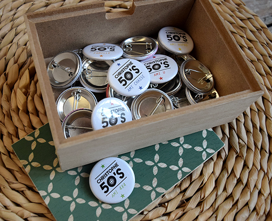 goodies mariage cadeau invites - magnets badges et decapsuleurs personnalisables