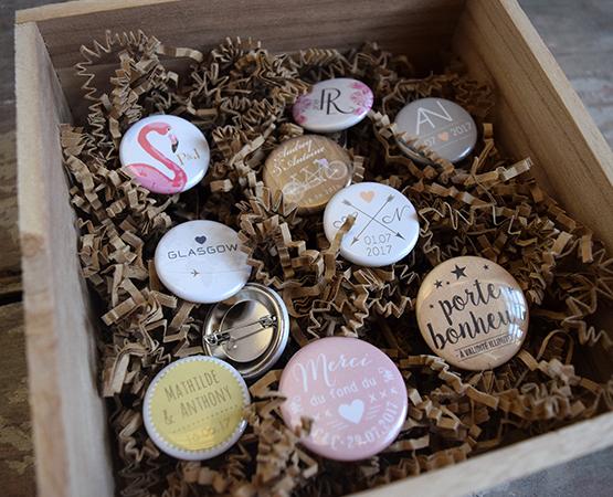 goodies mariage cadeau invites - magnets badges et decapsuleurs personnalisables