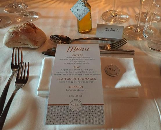 menu de mariage chic motifs géométriques